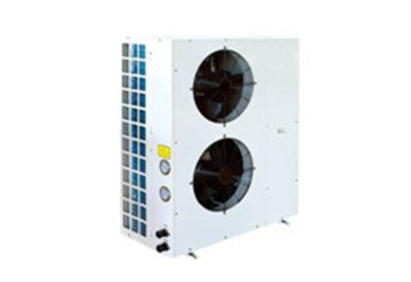 """大连中央空调杂谈家用中央空调维修的特点! 家用空调具有独立、经济的优点。中央空调具有提供高品质空气、豪华的优点,如何把这两者优点结合起来创造一种更完美的""""理想空调"""",这就是空调新概念""""家用中央空调""""。家用中央空调是室内空气品质的调节器,通过调节可以达到提供高品质空气的作用。控制温度:家用普通空调也能调节空气温度,但由于结构限制,送风量小,送风温度和室内空气温差大,这样一来室内温度分布不够均匀,舒适性差;而中央空调的送风量大,温差小,温度分布均匀,舒适性好。并且可以实"""